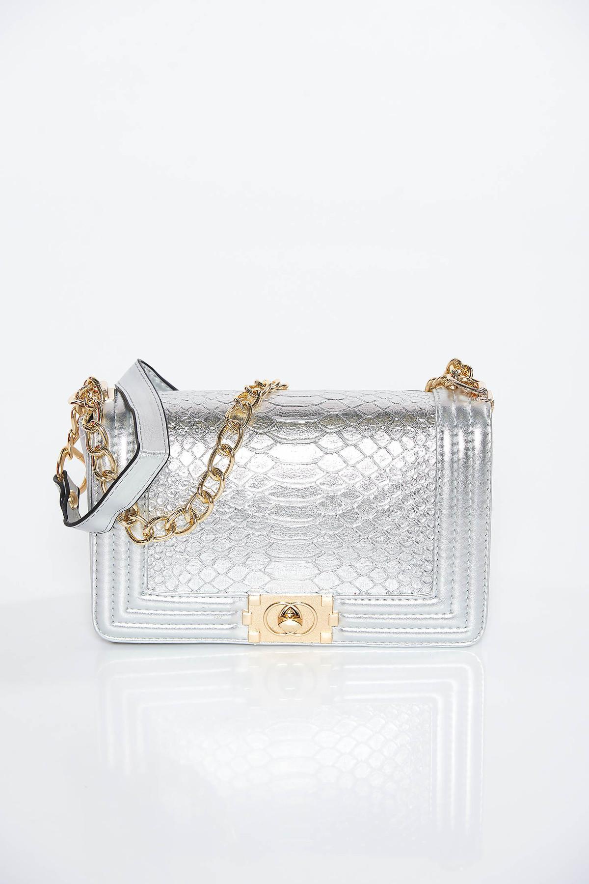 Geanta dama argintie casual din piele ecologica cu aspect metalic cu maner lung tip lantisor