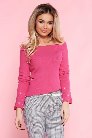 Pulover SunShine roz casual cu un croi mulat din material tricotat cu aplicatii cu perle
