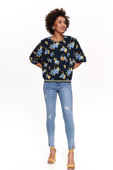 Bluza dama Top Secret albastra-inchis casual cu croi larg cu maneci trei-sferturi cu imprimeuri florale