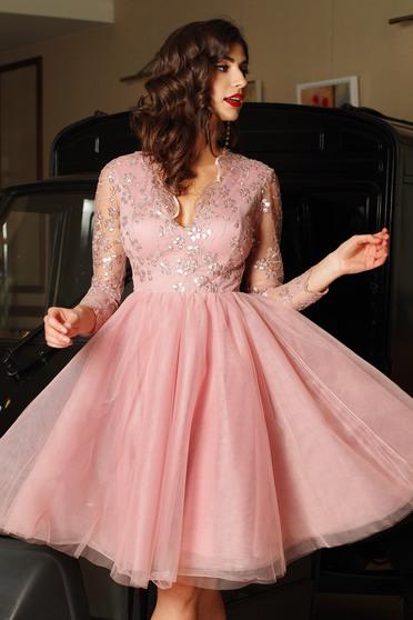 Rochie Artista rosa de ocazie in clos din tul cu paiete captusita pe interior cu insertii de broderie