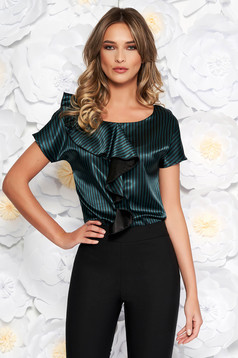 Bluza dama StarShinerS verde eleganta cu croi larg din material satinat cu volanase