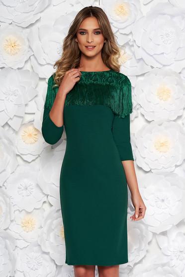 Rochie verde eleganta midi tip creion din material usor elastic cu franjuri cu aplicatii de dantela
