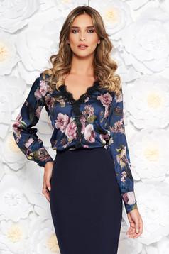 Bluza dama albastra-inchis eleganta cu croi larg din material satinat cu decolteu in v cu aplicatii de dantela
