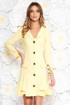 Rochie Artista galbena eleganta cu un croi cambrat din stofa subtire usor elastica cu volanase la baza rochiei