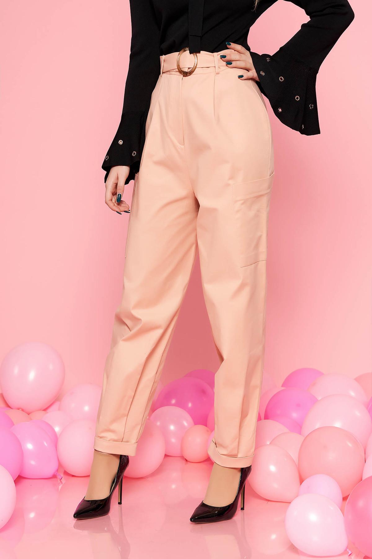 Pantaloni StarShinerS piersica casual cu talie inalta din bumbac usor elastic accesorizata cu curea cu catarama si buzunare