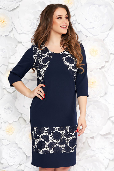 Rochie albastra-inchis eleganta cu un croi drept din material usor elastic cu aplicatii de dantela