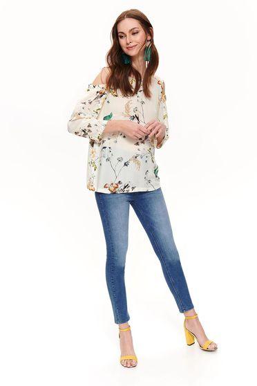 Bluza dama Top Secret crem cu croi larg cu umeri decupati din material vaporos cu imprimeu floral