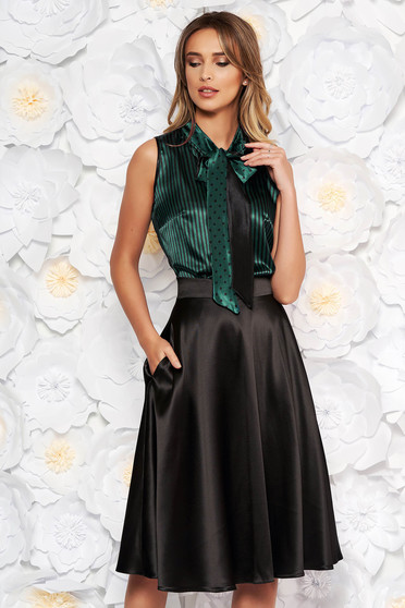 Bluza dama StarShinerS verde eleganta cu croi larg din material satinat cu guler tip esarfa