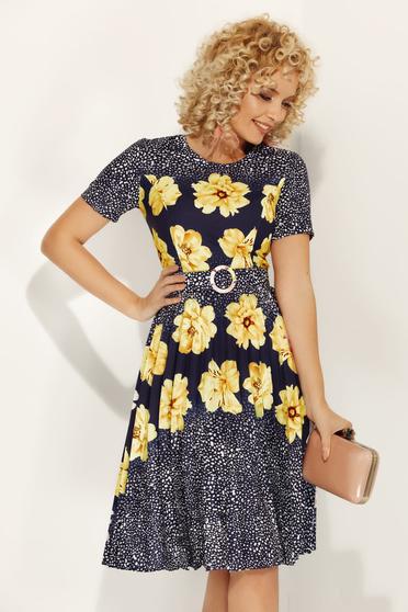 Rochie Fofy galbena de zi in clos din material usor elastic cu imprimeu floral cu accesoriu tip curea