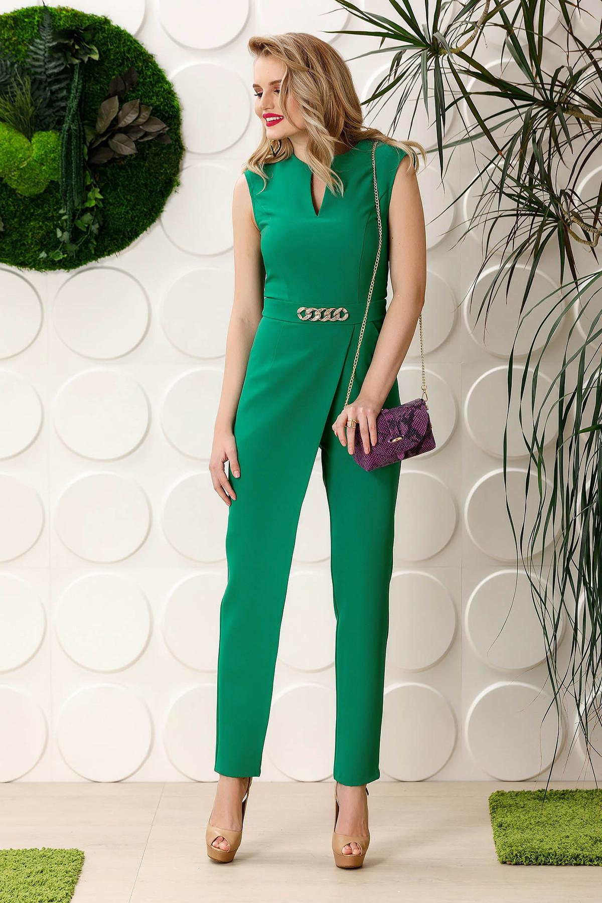 Salopeta PrettyGirl verde de ocazie fara maneci din material fin la atingere cu accesoriu metalic si buzunare