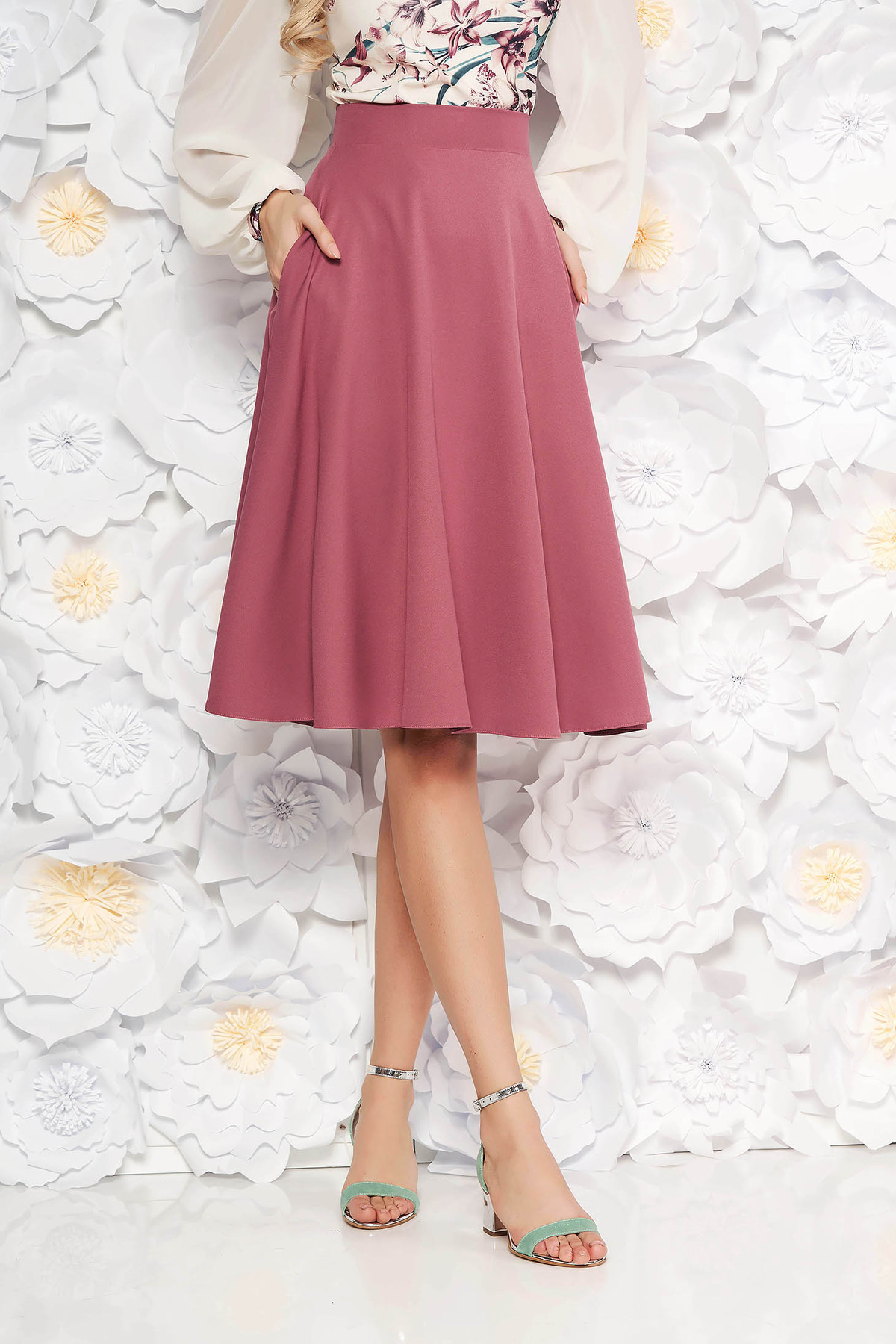 Fusta StarShinerS lila eleganta midi in clos din stofa usor elastica captusita pe interior cu talie inalta