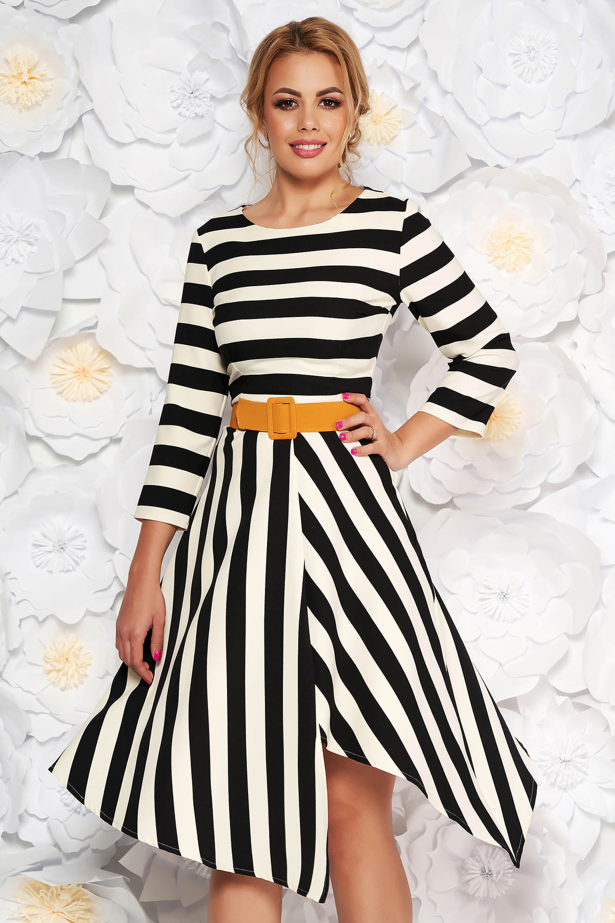 Rochie LaDonna neagra eleganta de zi asimetrica in clos din stofa subtire usor elastica cu accesoriu tip curea
