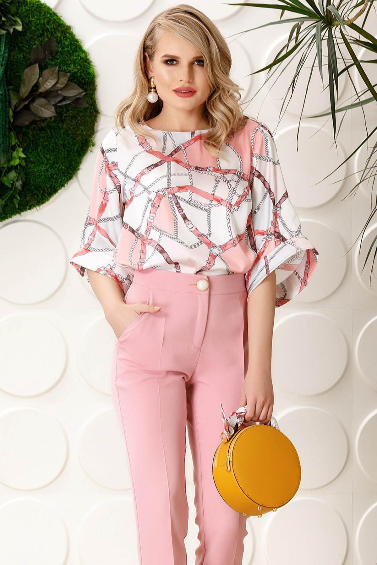 Bluza dama PrettyGirl rosa eleganta cu croi larg cu maneci clopot din material satinat cu imprimeu grafic