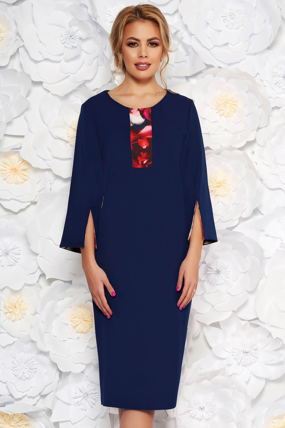 Rochie albastra-inchis eleganta tip creion cu maneca 3/4 din stofa subtire usor elastica
