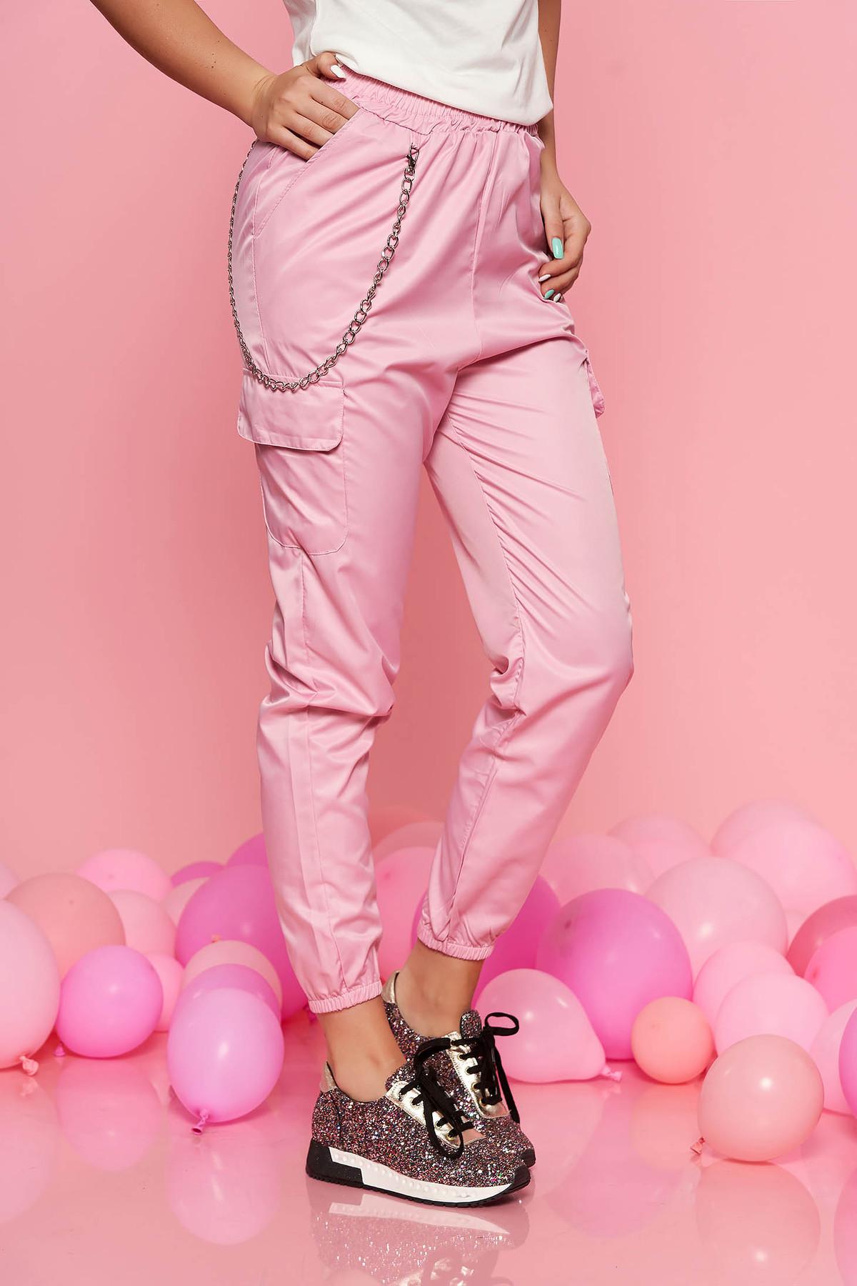 Pantaloni SunShine roz casual cu talie medie cu elastic in talie lantisor detasabil