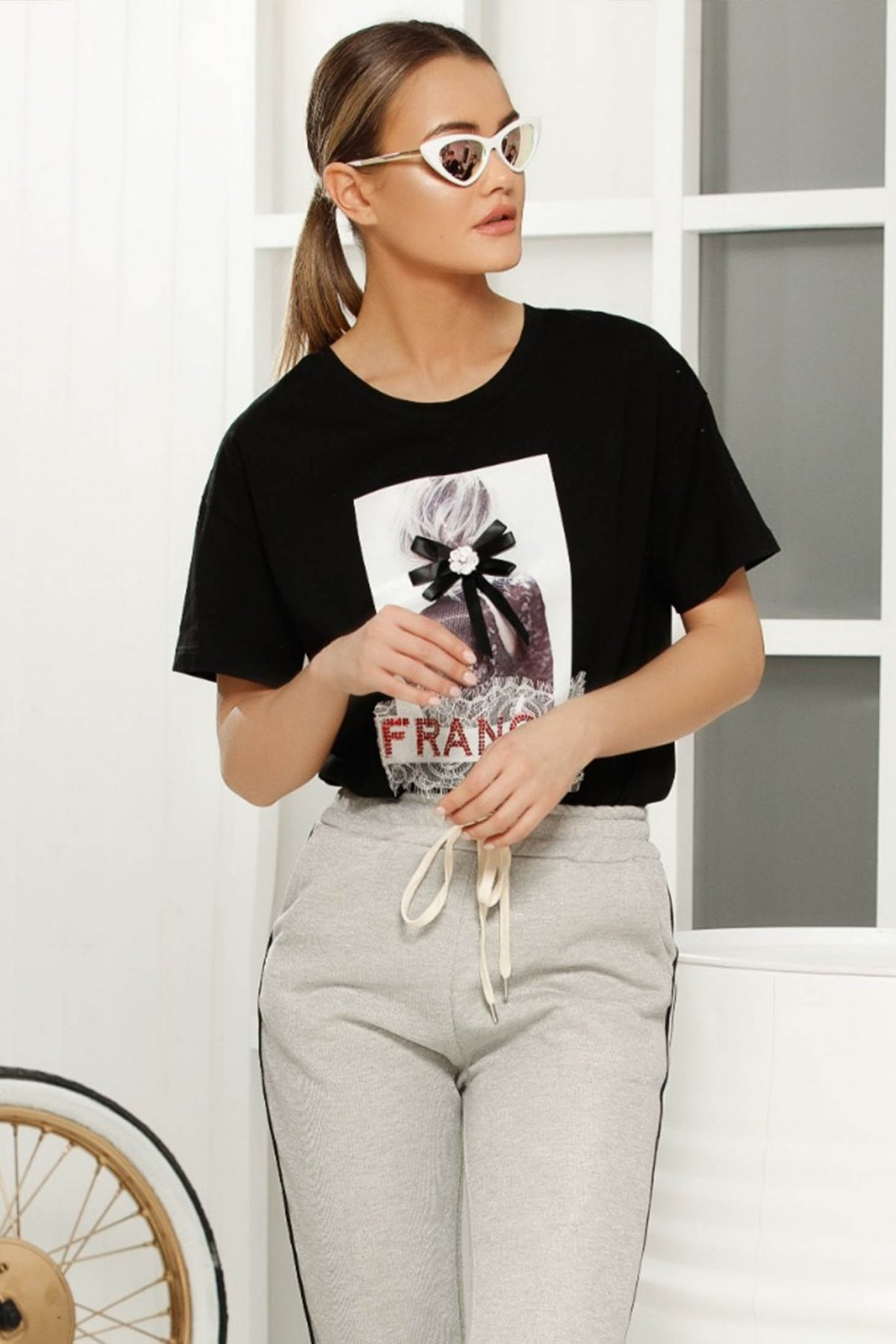 Tricou negru casual cu croi larg cu maneci scurte din material vaporos