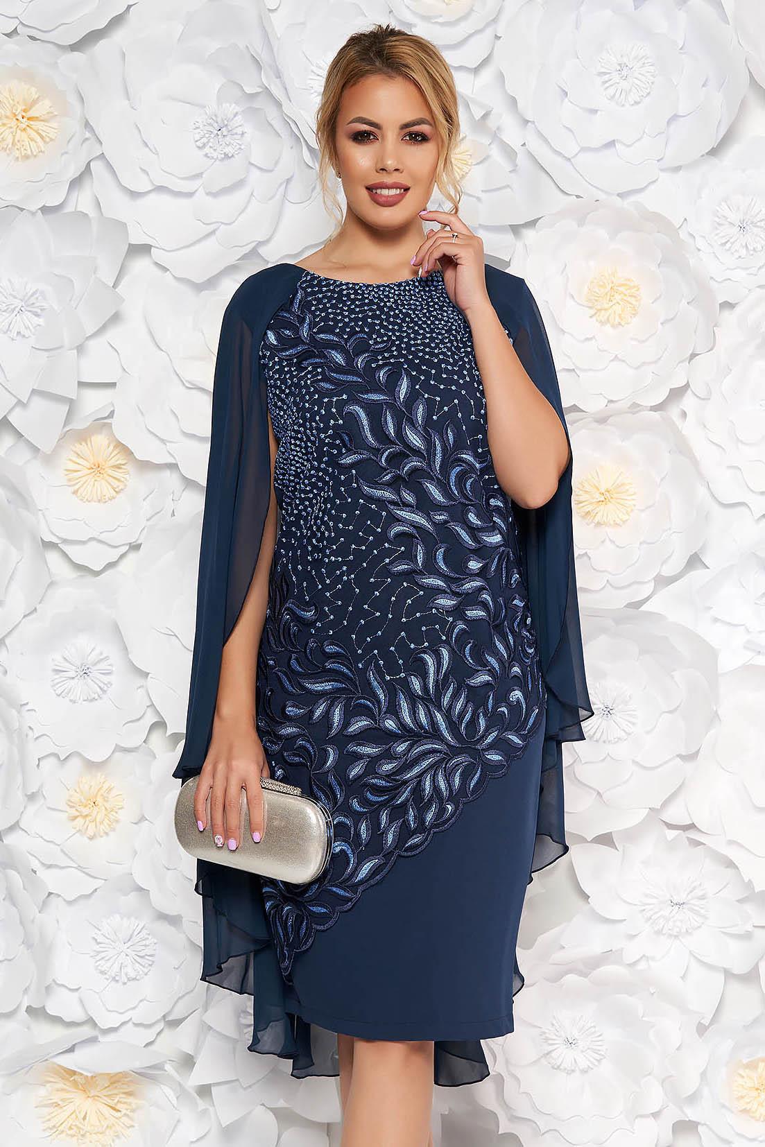 Rochie albastra-inchis de ocazie midi din stofa subtire usor elastica suprapunere cu dantela