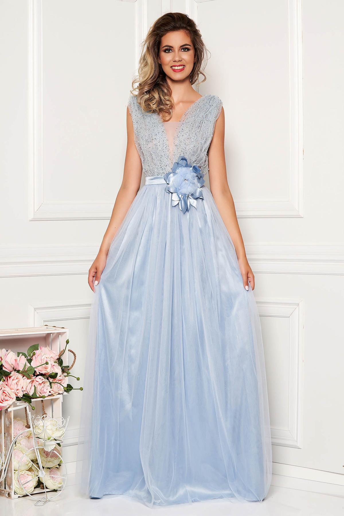 Rochie albastra-deschis LaDonna de ocazie cu aplicatii cu pietre strass cu decolteu adanc