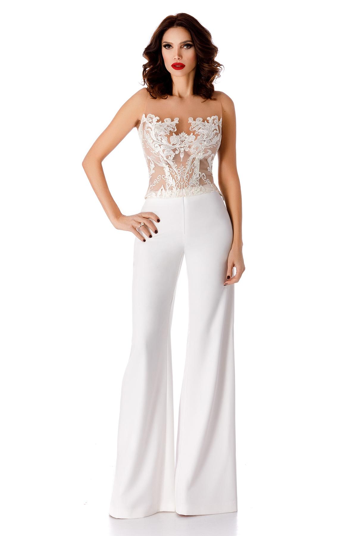 Pantaloni albe eleganti cu talie inalta evazati din stofa subtire usor elastica
