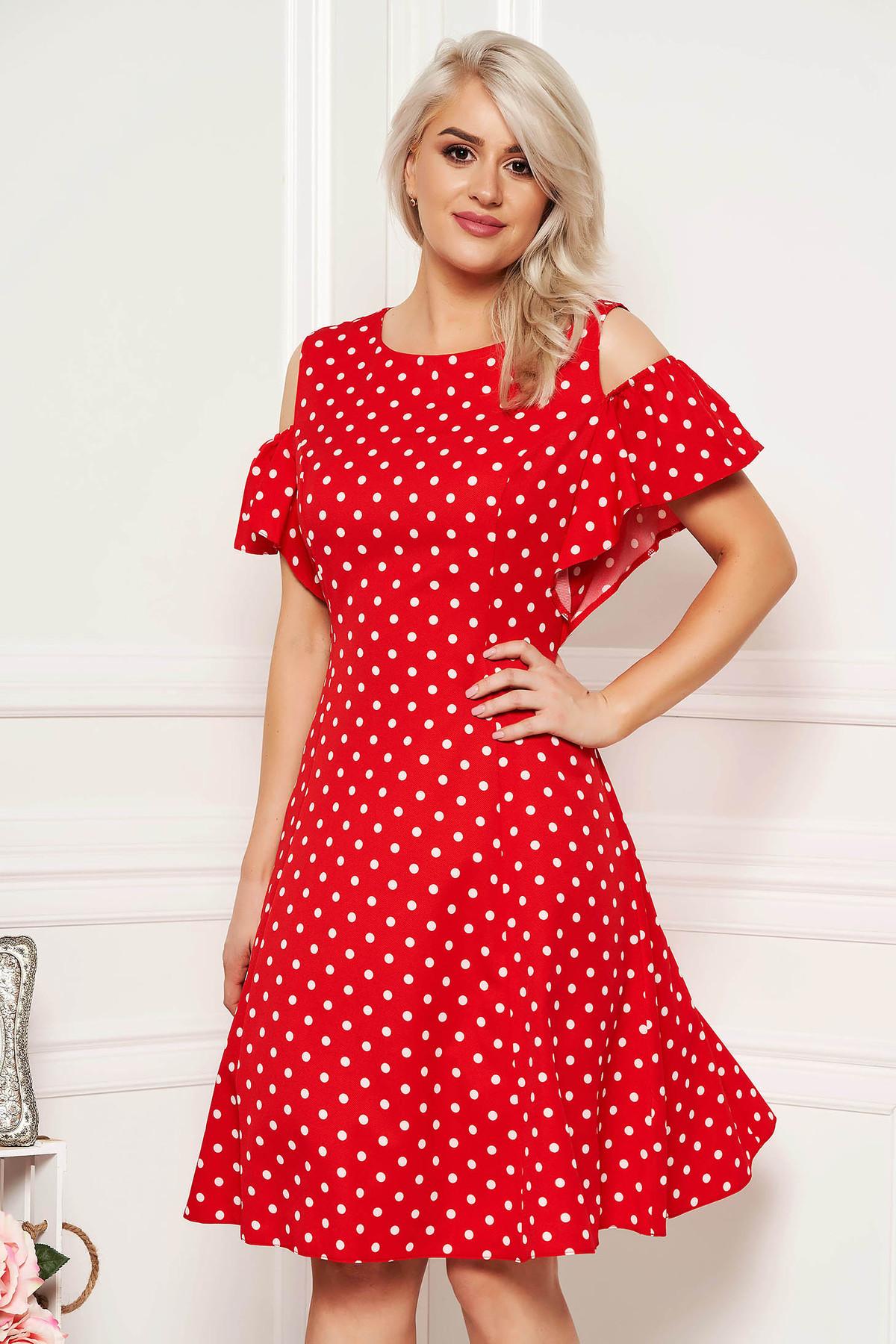 Rochie rosie de zi in clos din material usor elastic cu buline cu umeri decupati