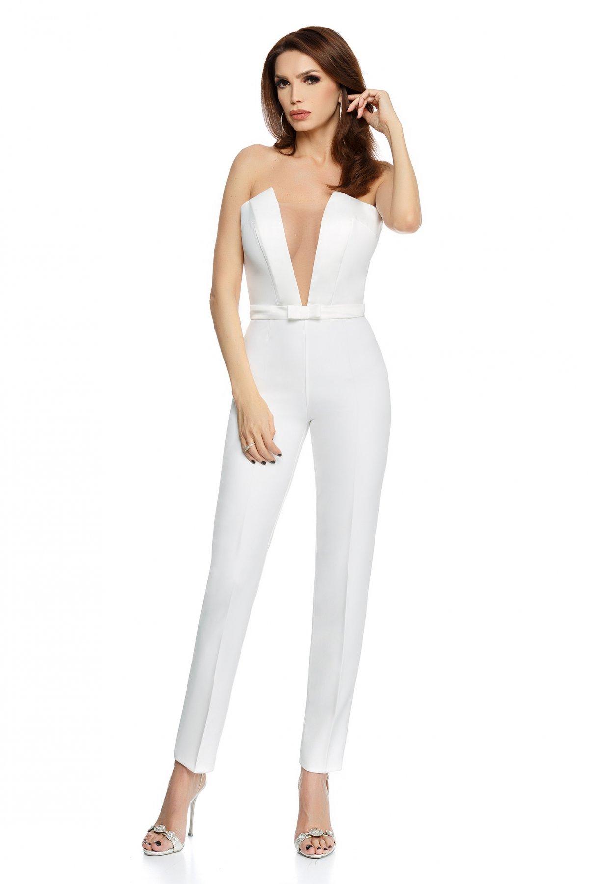 Salopeta alba eleganta cu pantaloni slim si corset cu decolteu adanc
