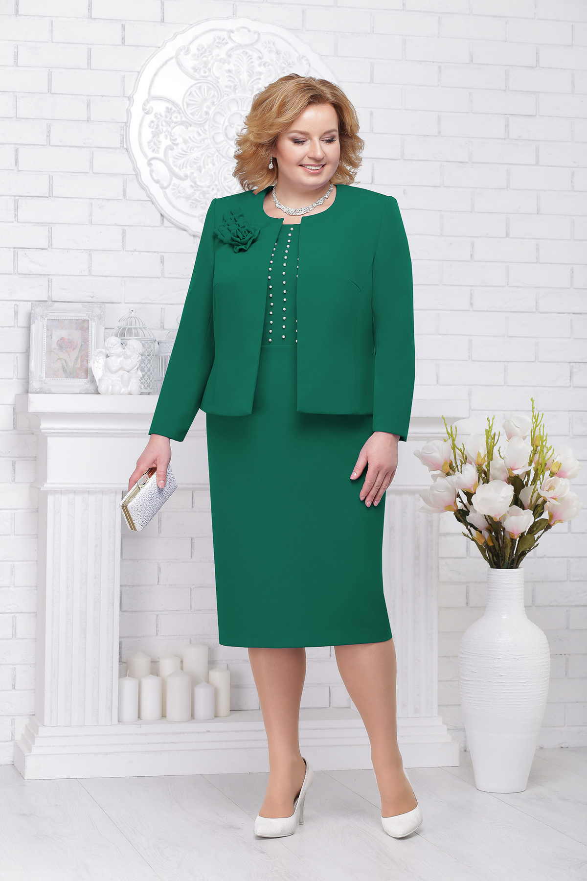 Compleu verde elegant din stofa cu aplicatii cu perle