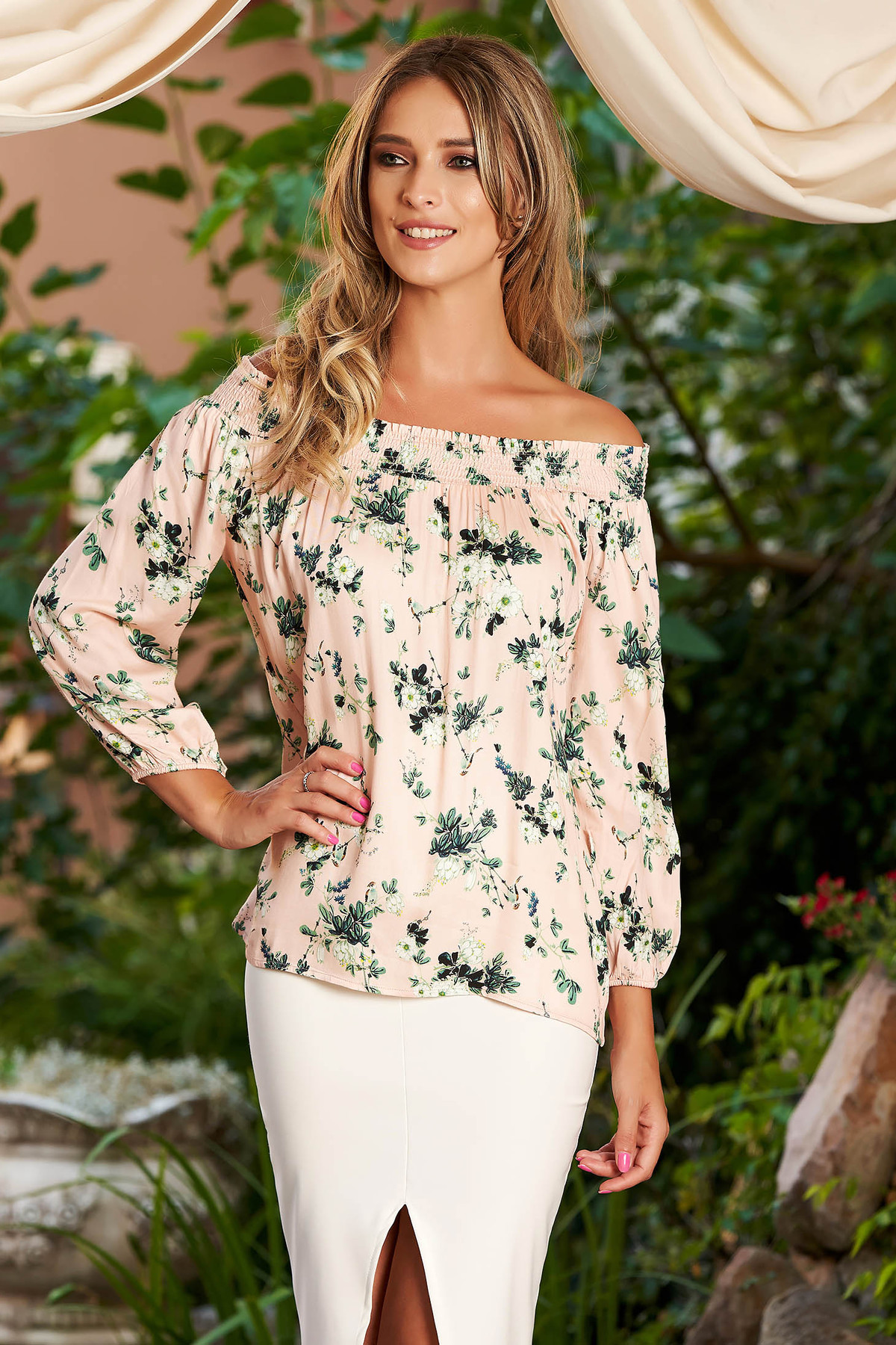 Bluza dama StarShinerS roz prafuit casual cu croi larg umeri goi cu maneca lunga si imprimeu floral