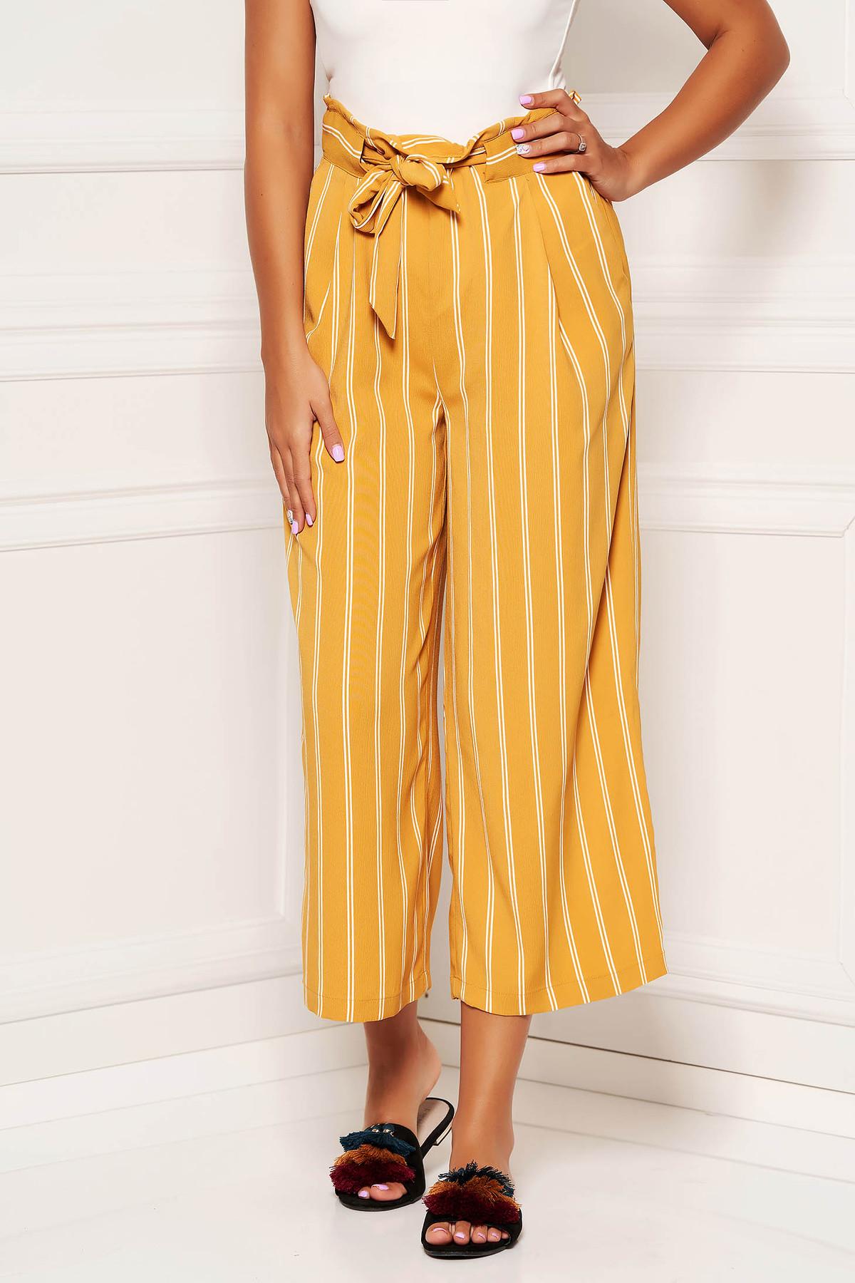Pantaloni SunShine mustarii cu un croi drept si elastic in talie