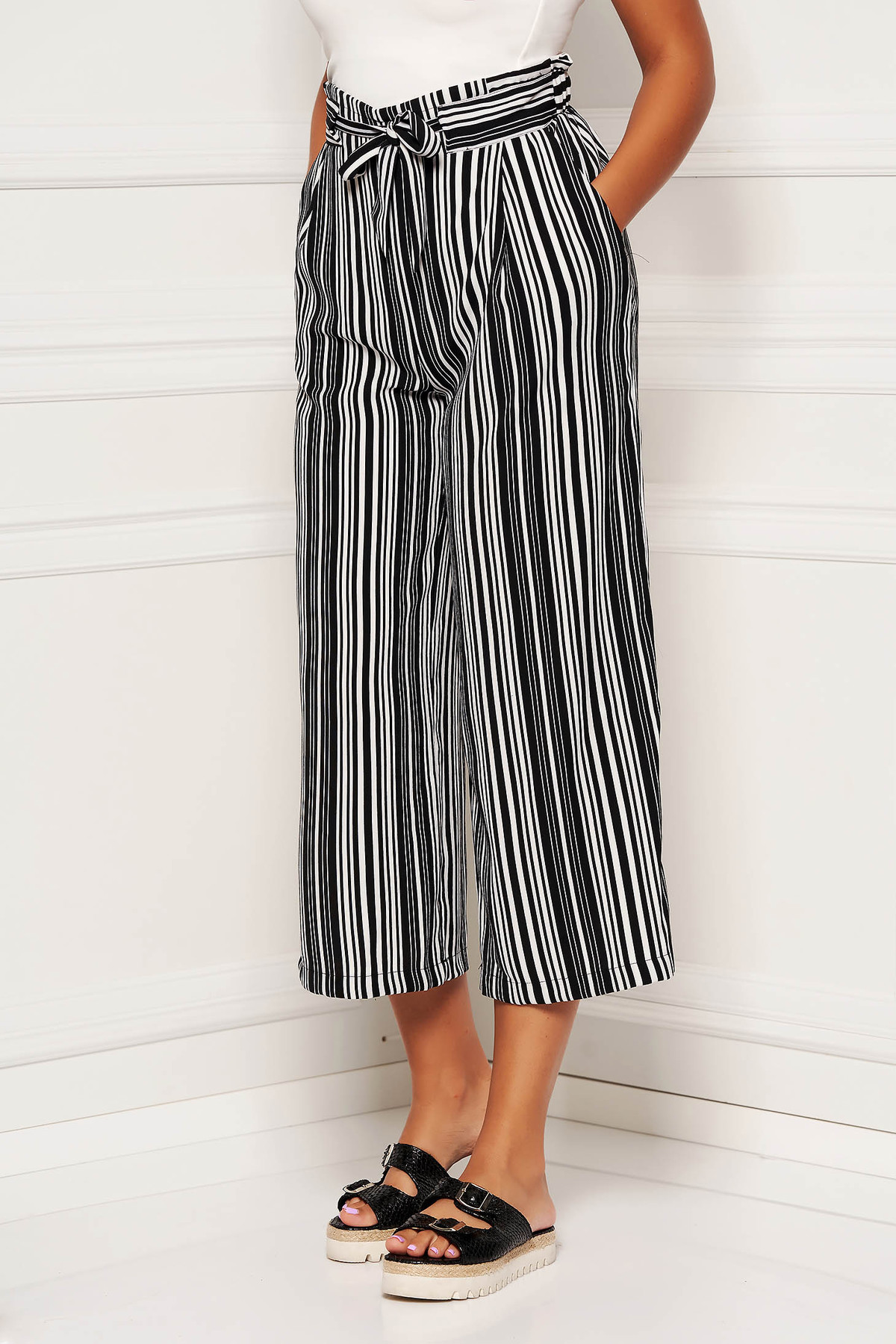 Pantaloni SunShine negri cu un croi drept si elastic in talie
