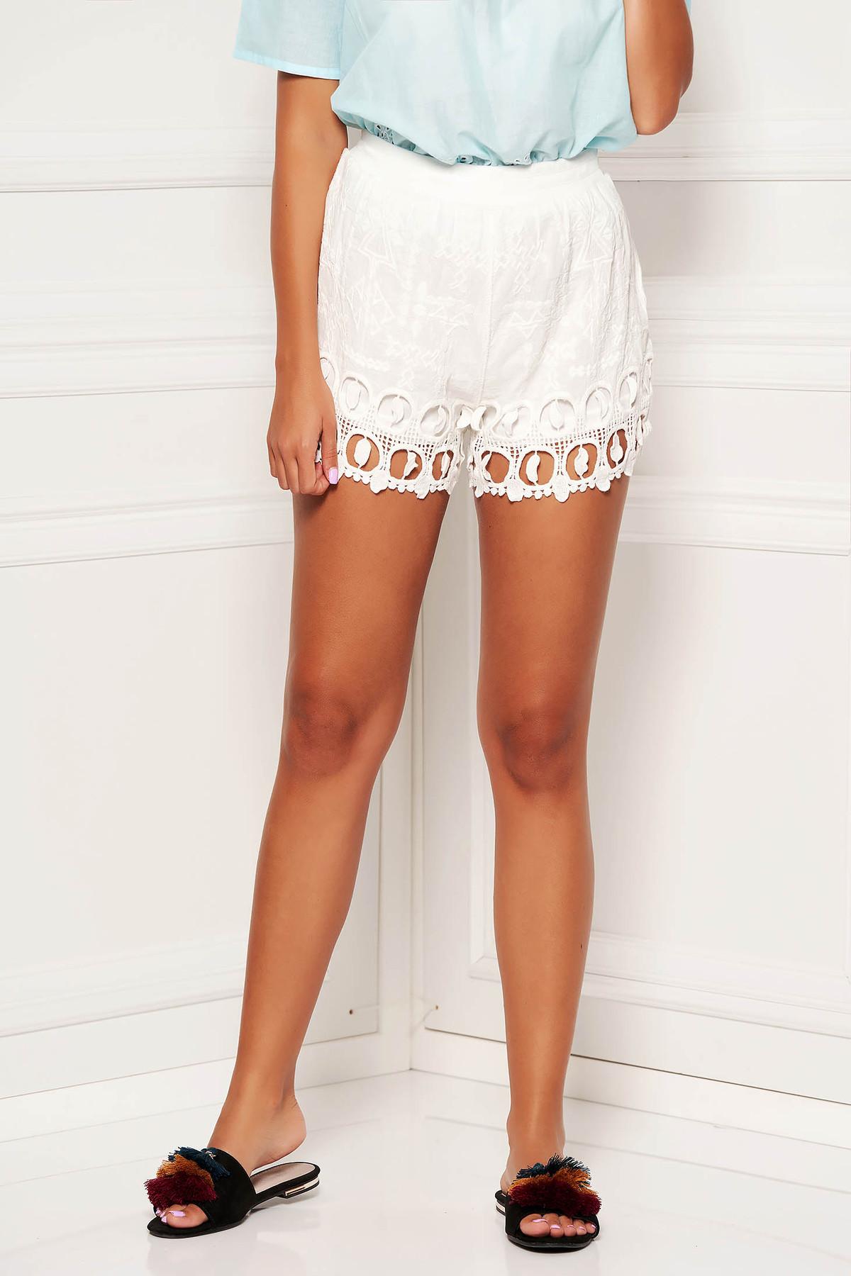 Pantalon scurt SunShine ivoire casual din dantela cu croi larg cu talie medie