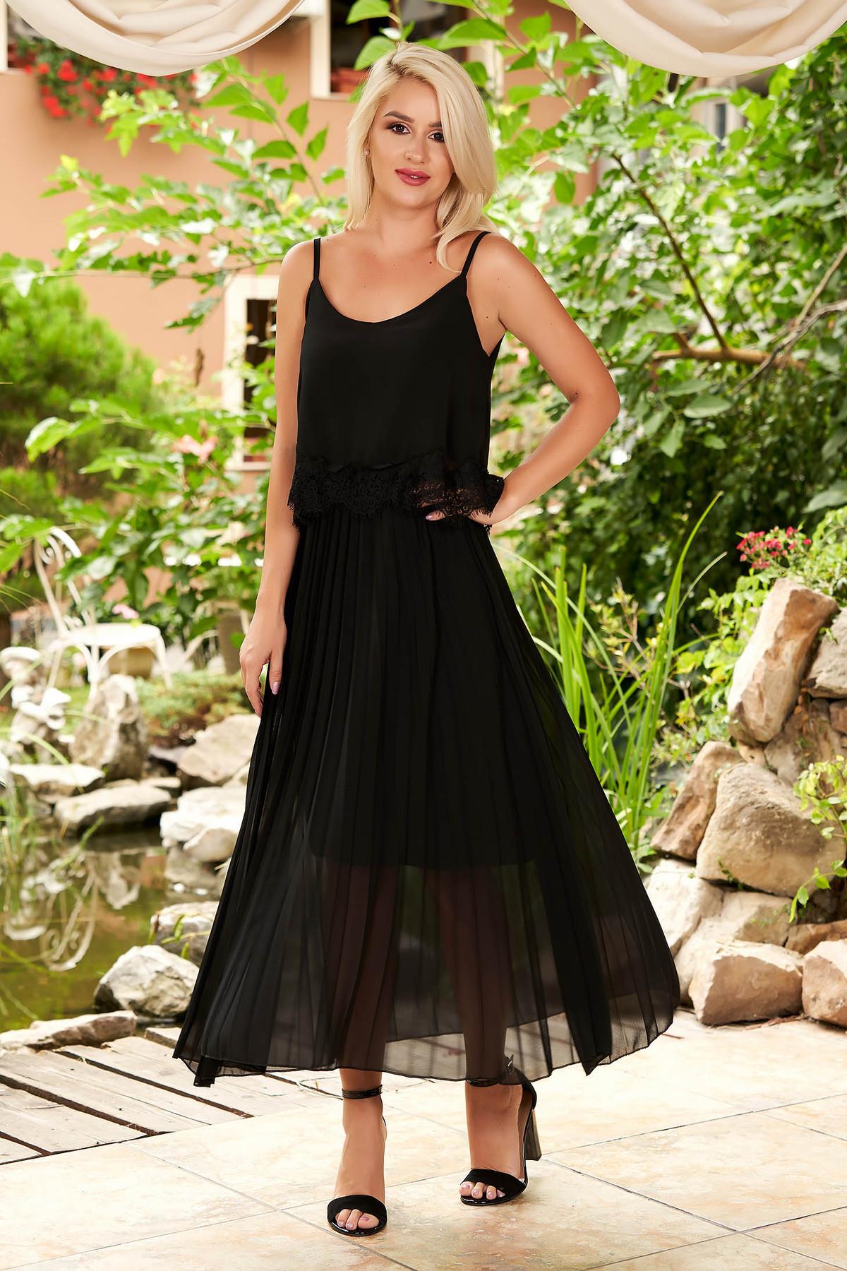 Rochie SunShine neagra de zi midi plisata cu croi larg din voal cu bretele