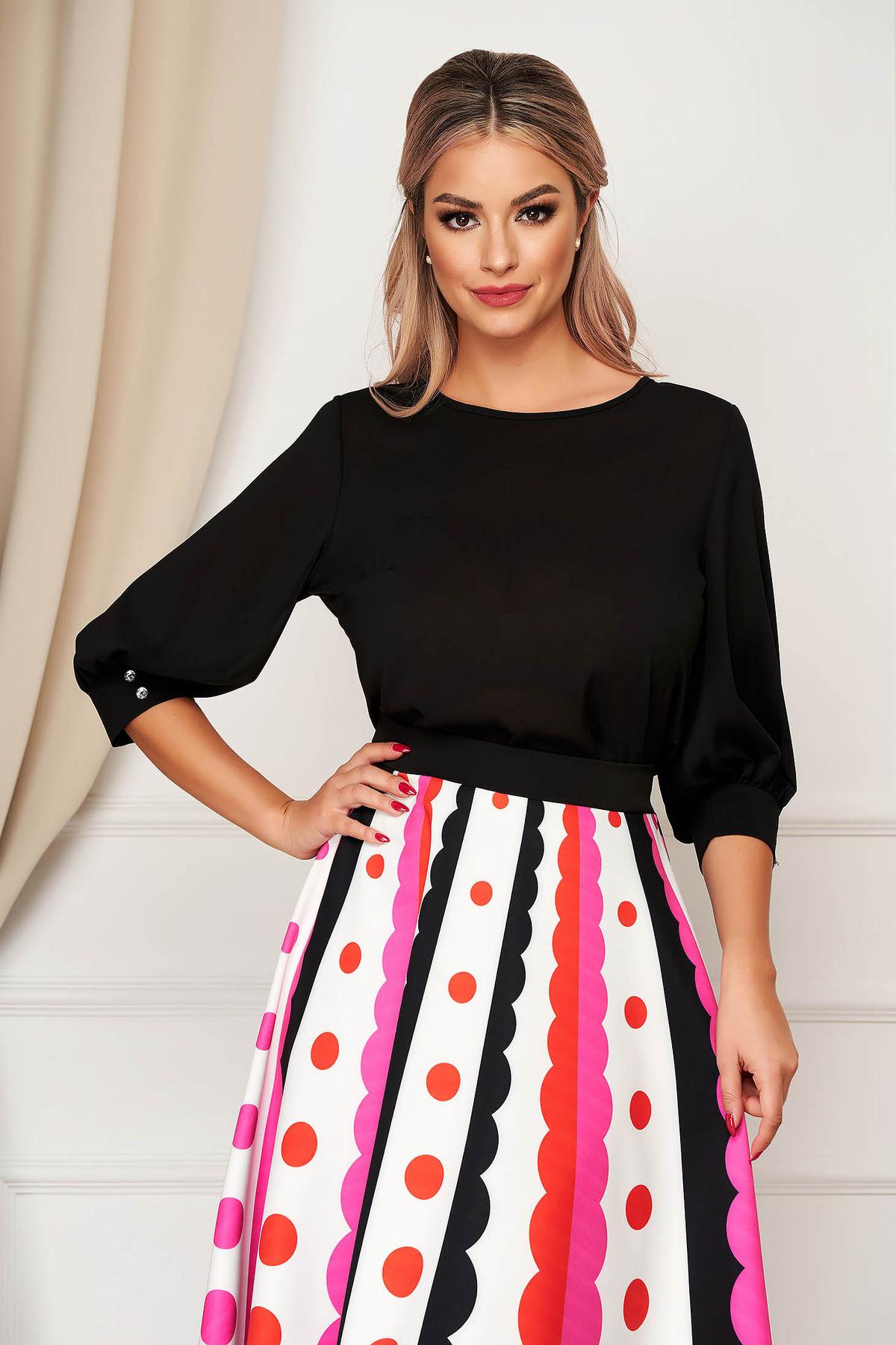 Bluza dama StarShinerS neagra scurta eleganta din material vaporos cu croi larg cu decolteu rotunjit si maneci trei-sferturi largi