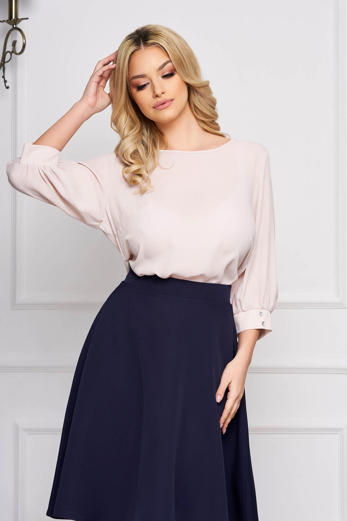 Bluza dama StarShinerS crem scurta eleganta din material vaporos cu croi larg cu decolteu rotunjit si maneci trei-sferturi largi