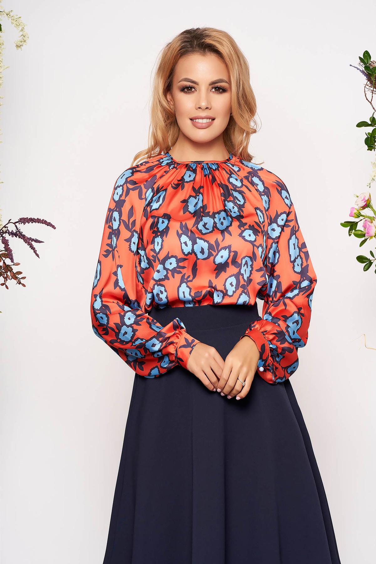 Bluza dama PrettyGirl portocalie scurta eleganta din material satinat cu croi larg cu maneci lungi si imprimeu floral