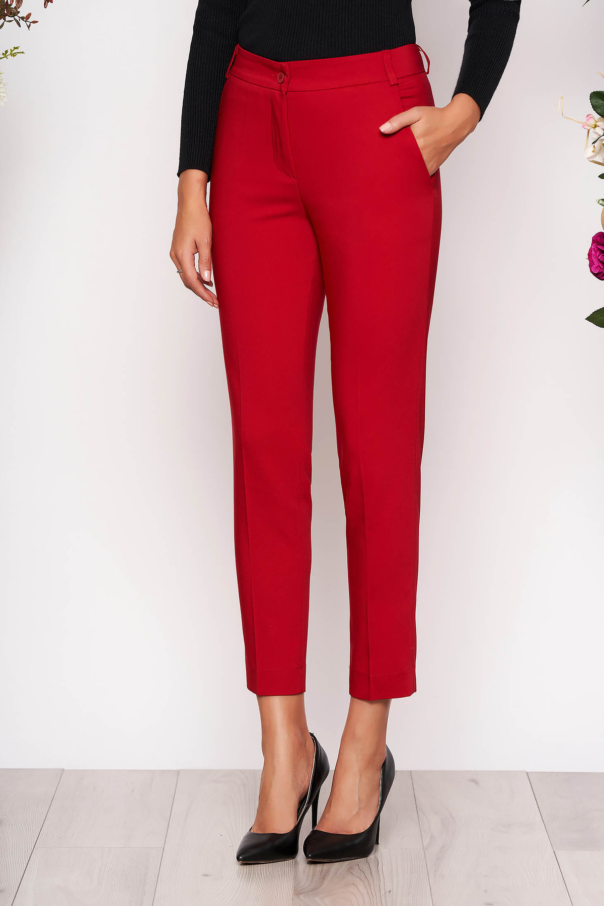 Pantaloni rosii lungi eleganti cu talie medie conici din stofa subtire cu buzunare