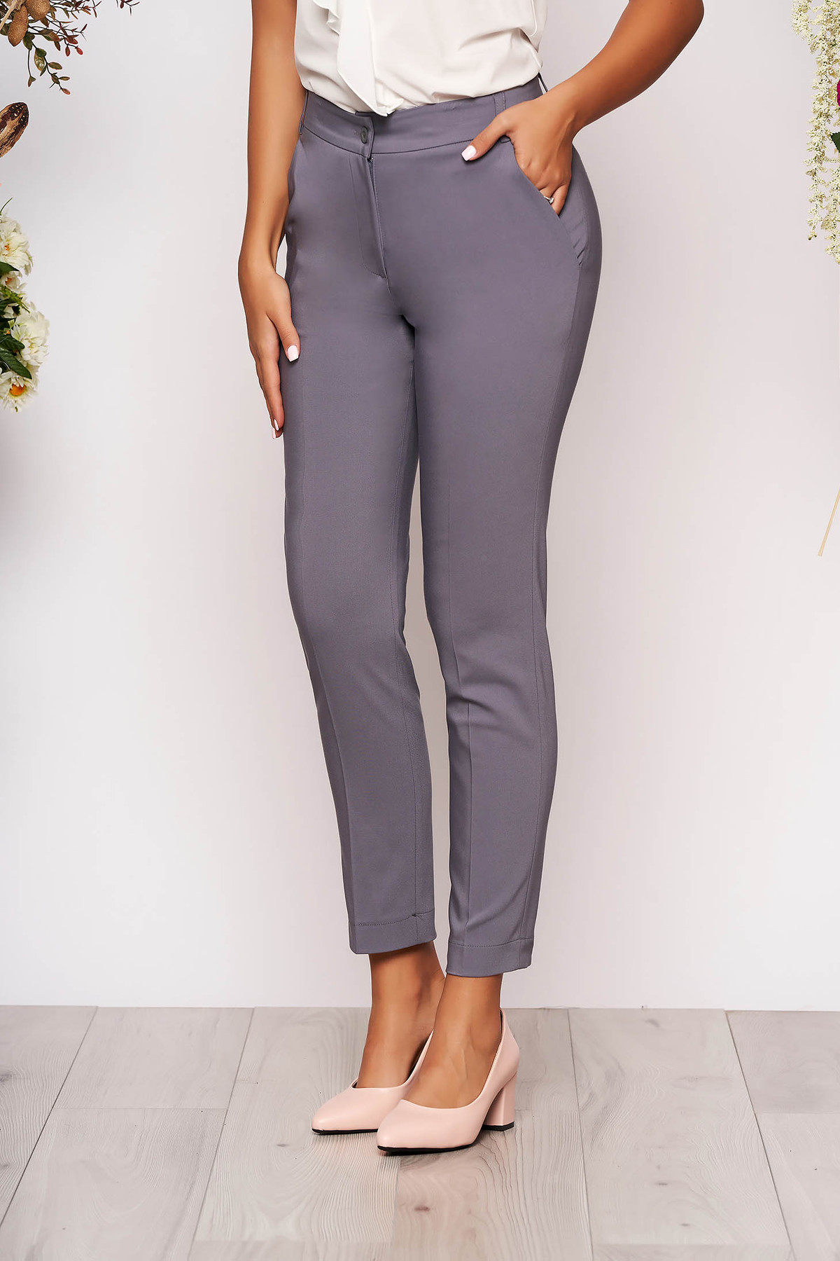 Pantaloni gri lungi eleganti cu talie medie conici din stofa subtire cu buzunare
