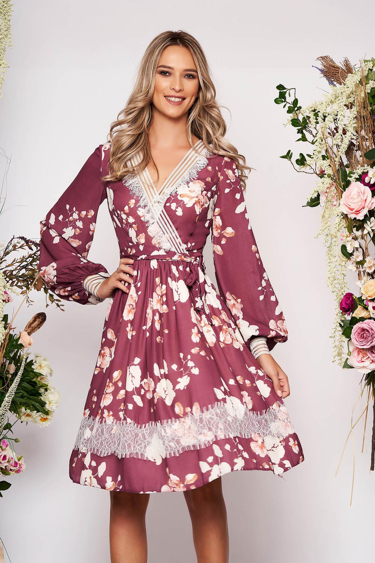 Rochie LaDonna maro midi eleganta in clos din voal cu decolteu in v cu maneci lungi si imprimeu floral