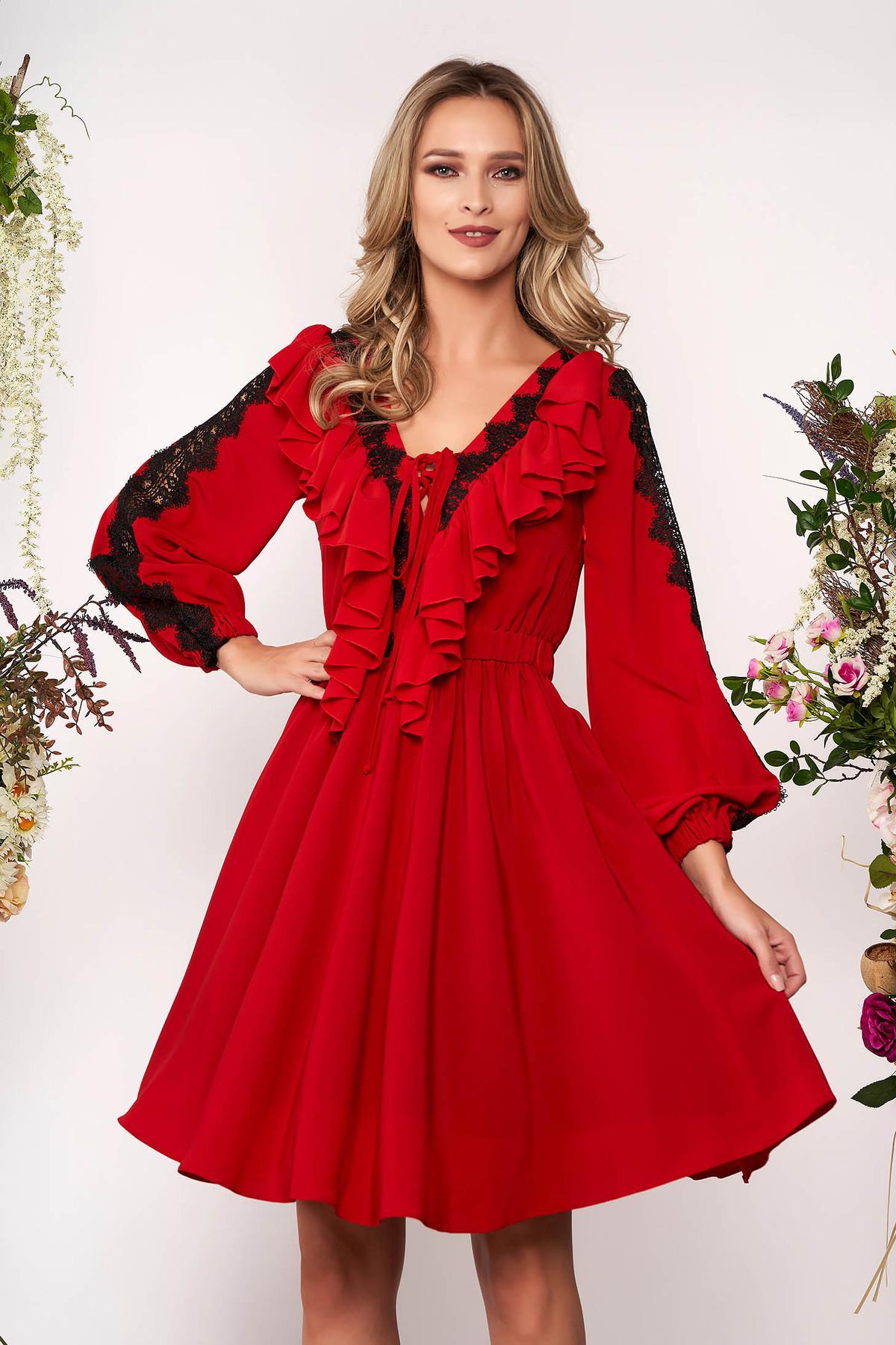Rochie LaDonna rosie eleganta in clos cu decolteu in v din voal cu aplicatii de dantela
