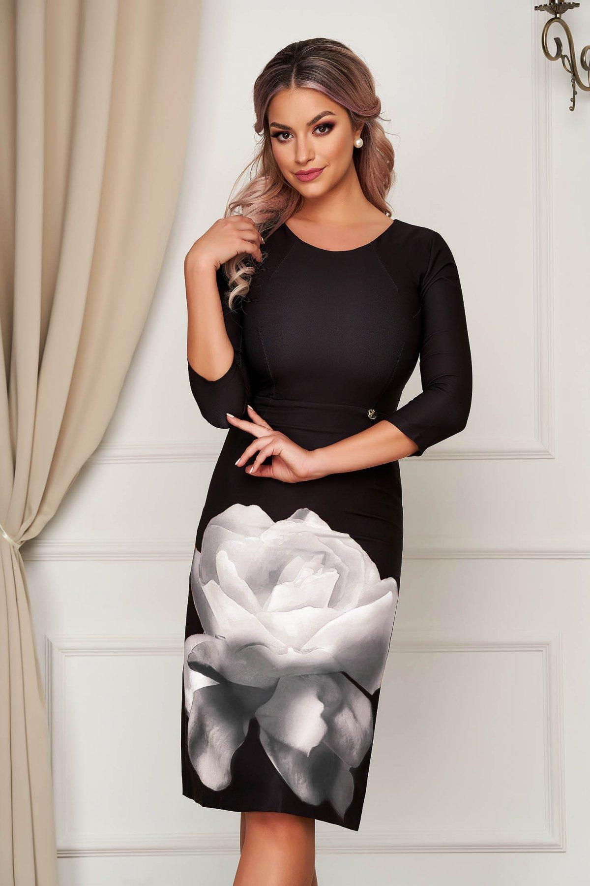 Rochie PrettyGirl neagra eleganta midi din material elastic cu decolteu rotunjit cu imprimeu floral PrettyGirl