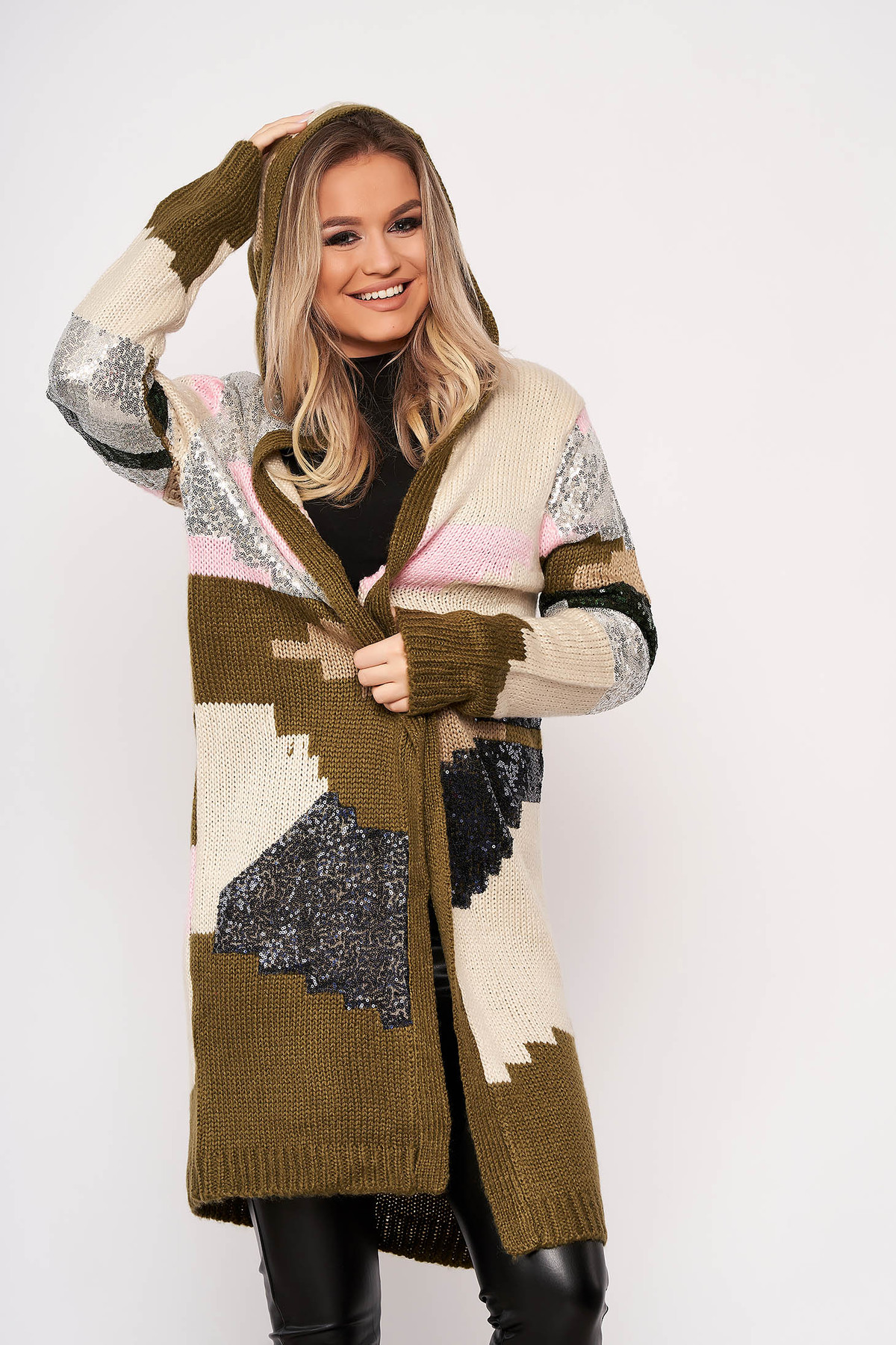 Cardigan SunShine khaki elegant din material tricotat cu aplicatii cu paiete cu gluga nedetasabila si fara inchidere