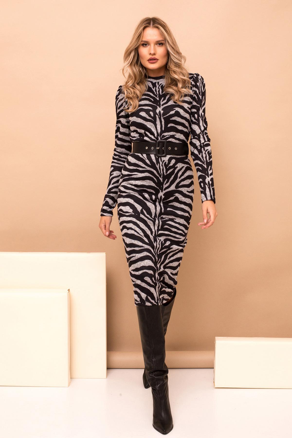Rochie PrettyGirl gri midi tip creion eleganta din material tricotat cu imprimeu tigrat si accesoriu tip curea