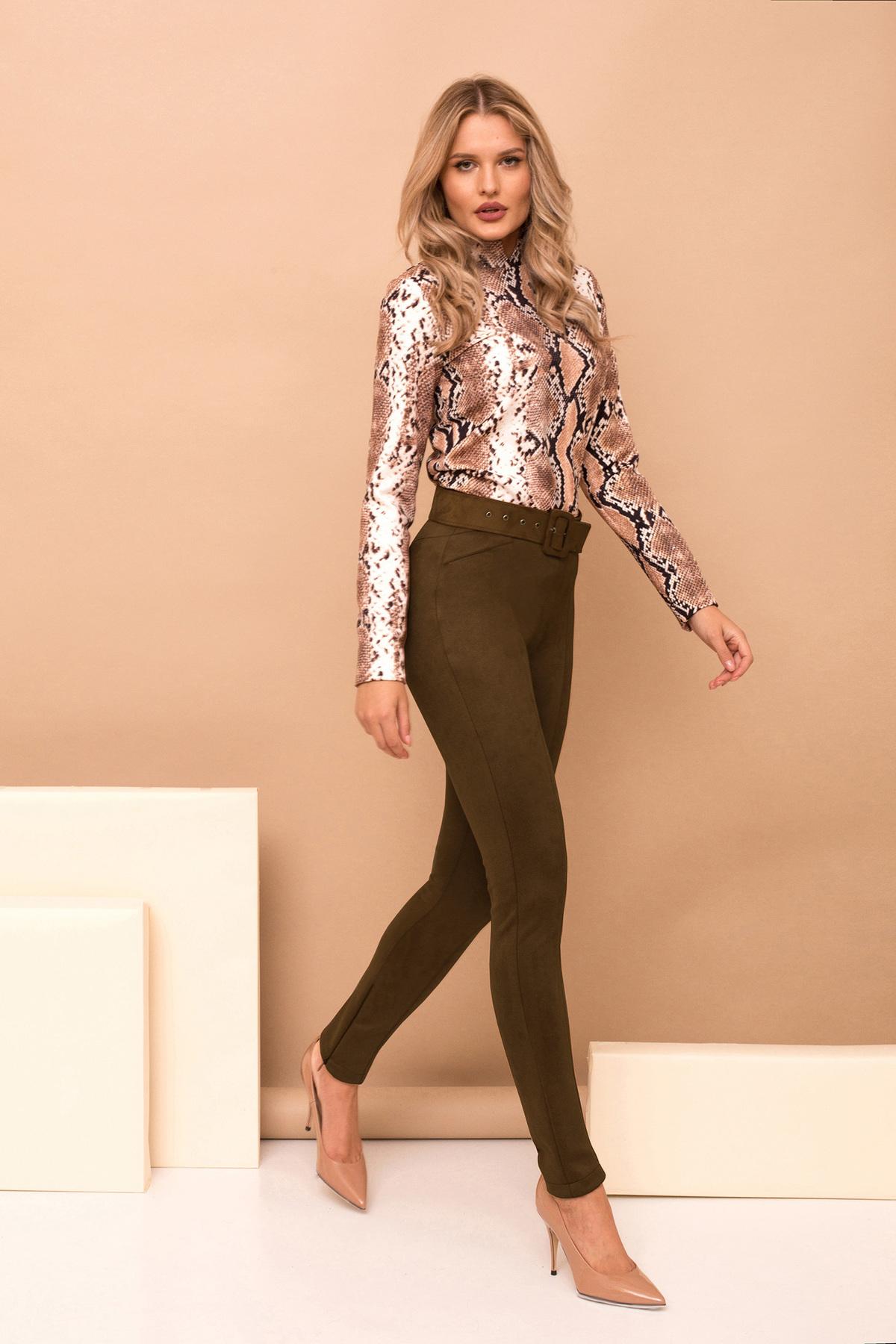 Pantaloni PrettyGirl khaki eleganti lungi conici din piele intoarsa cu accesoriu tip curea
