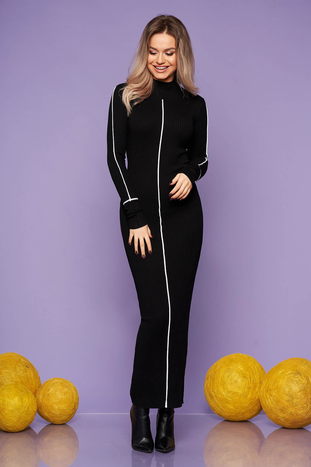 Rochie SunShine neagra casual lunga de zi tip creion pe gat tricotata cu un croi cambrat
