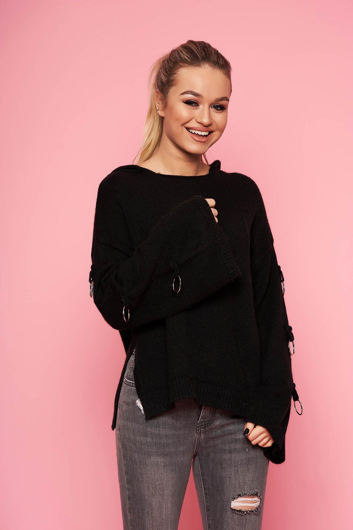 Pulover SunShine negru casual tricotat scurt cu croi larg cu gluga nedetasabila si accesorii metalice