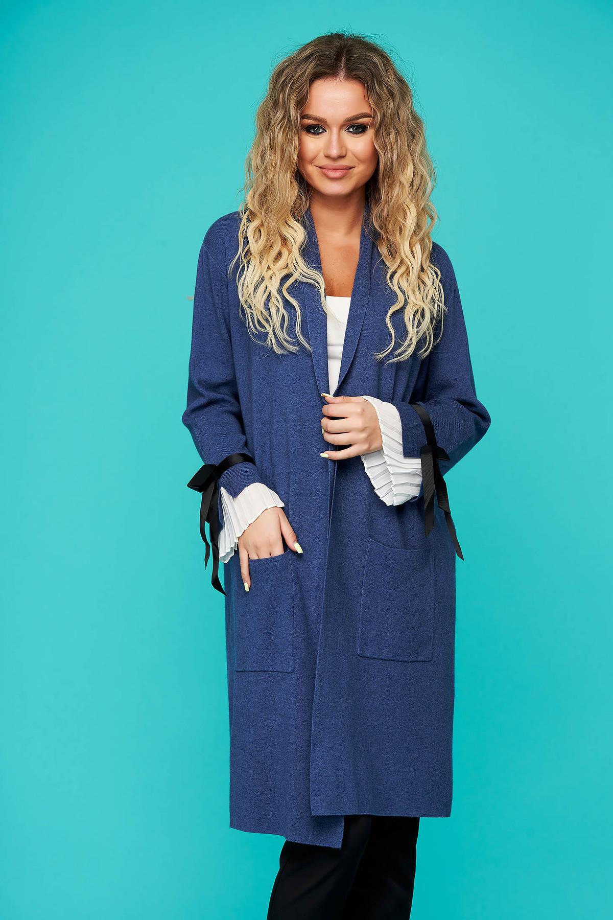 Cardigan SunShine albastru elegant lung tricotat accesorizat cu fundite si buzunare frontale imagine