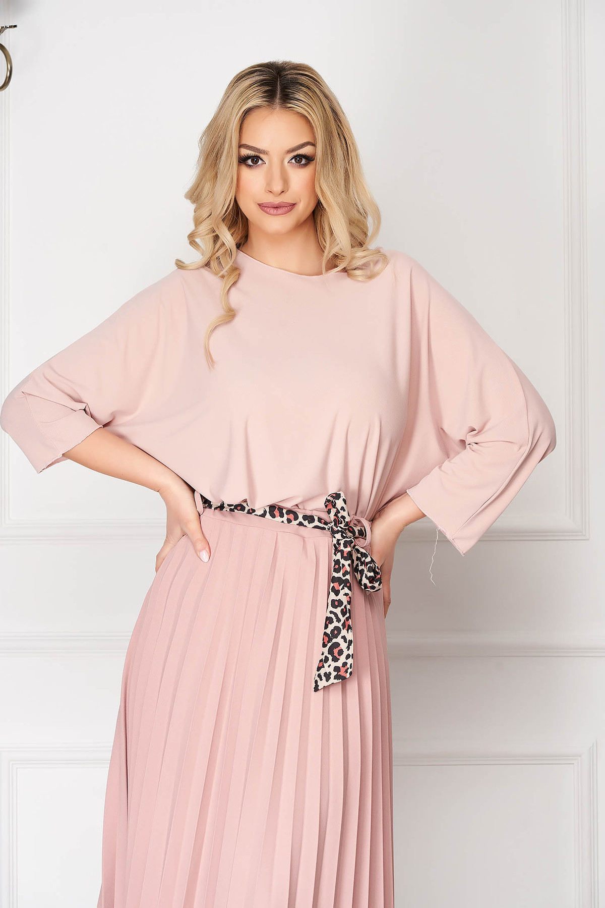 Bluza dama SunShine roz prafuit casual scurta asimetrica din bumbac cu croi larg