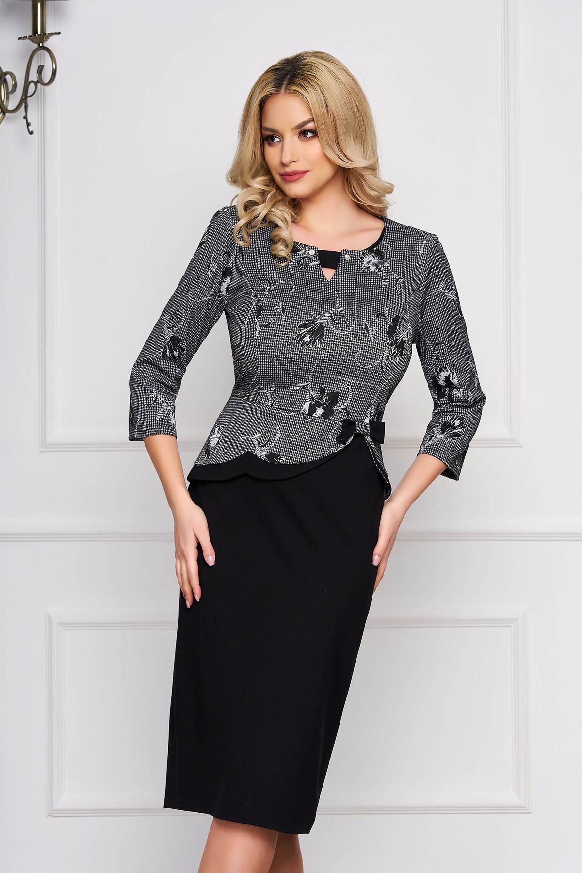 Rochie neagra eleganta midi cu un croi drept din stofa cu imprimeu grafic