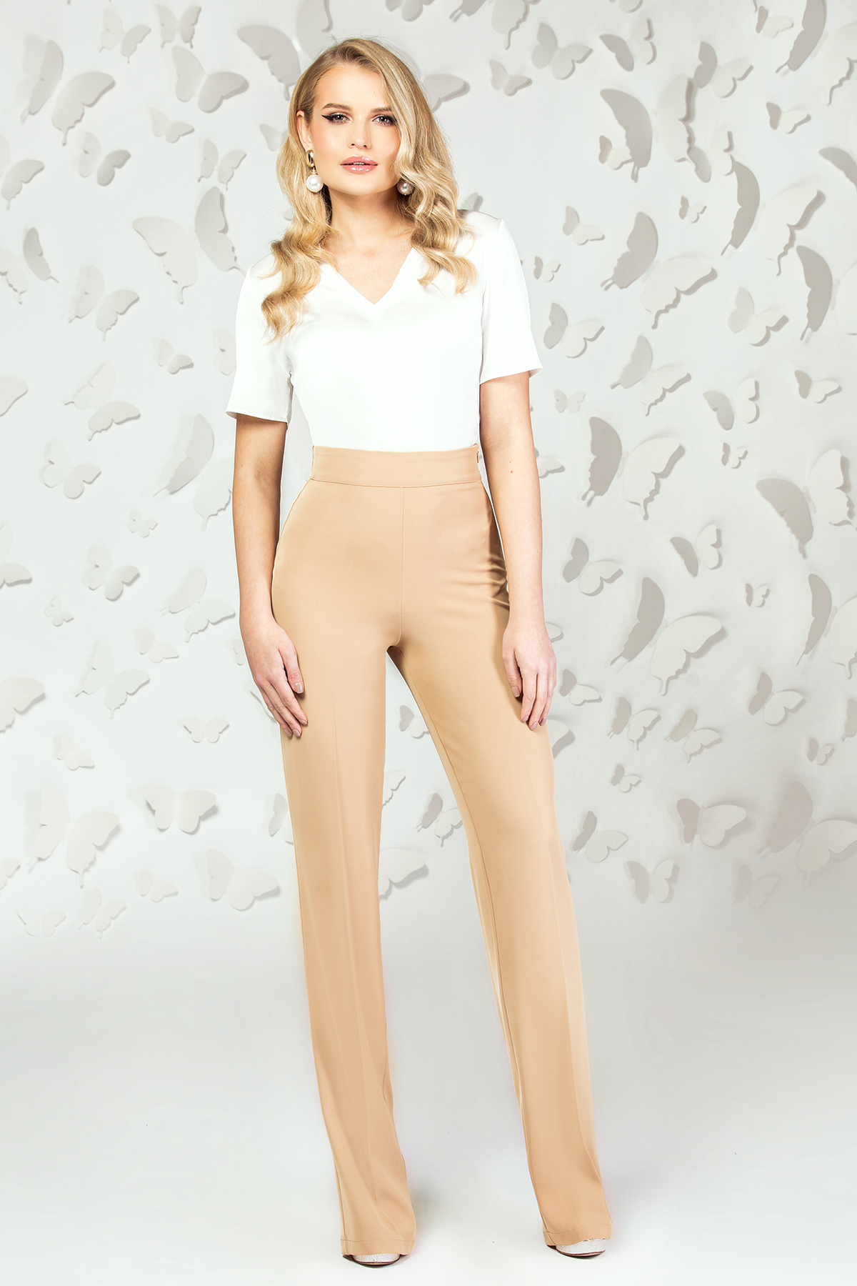 Pantaloni PrettyGirl crem eleganti evazati cu talie inalta imagine