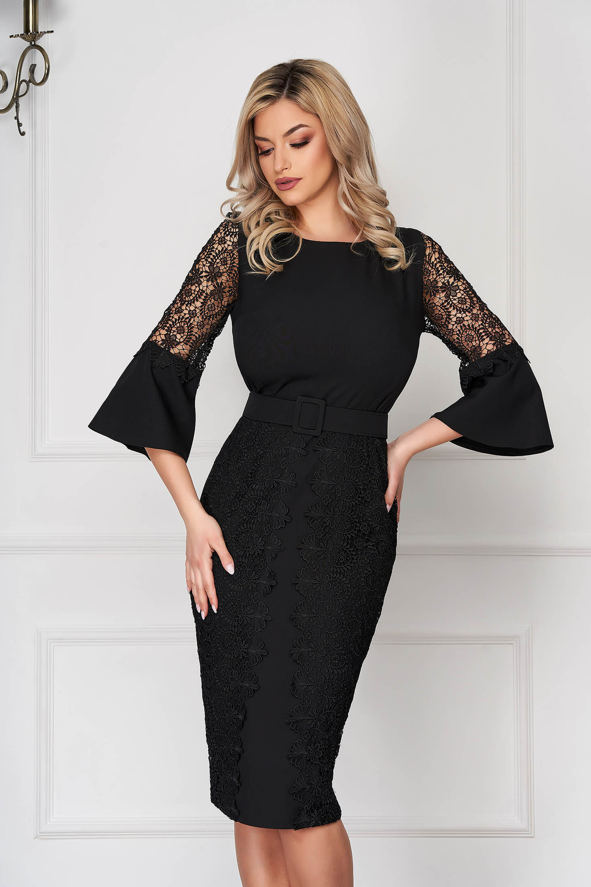 Rochie neagra eleganta midi tip creion din stofa subtire cu aplicatii de broderie florala