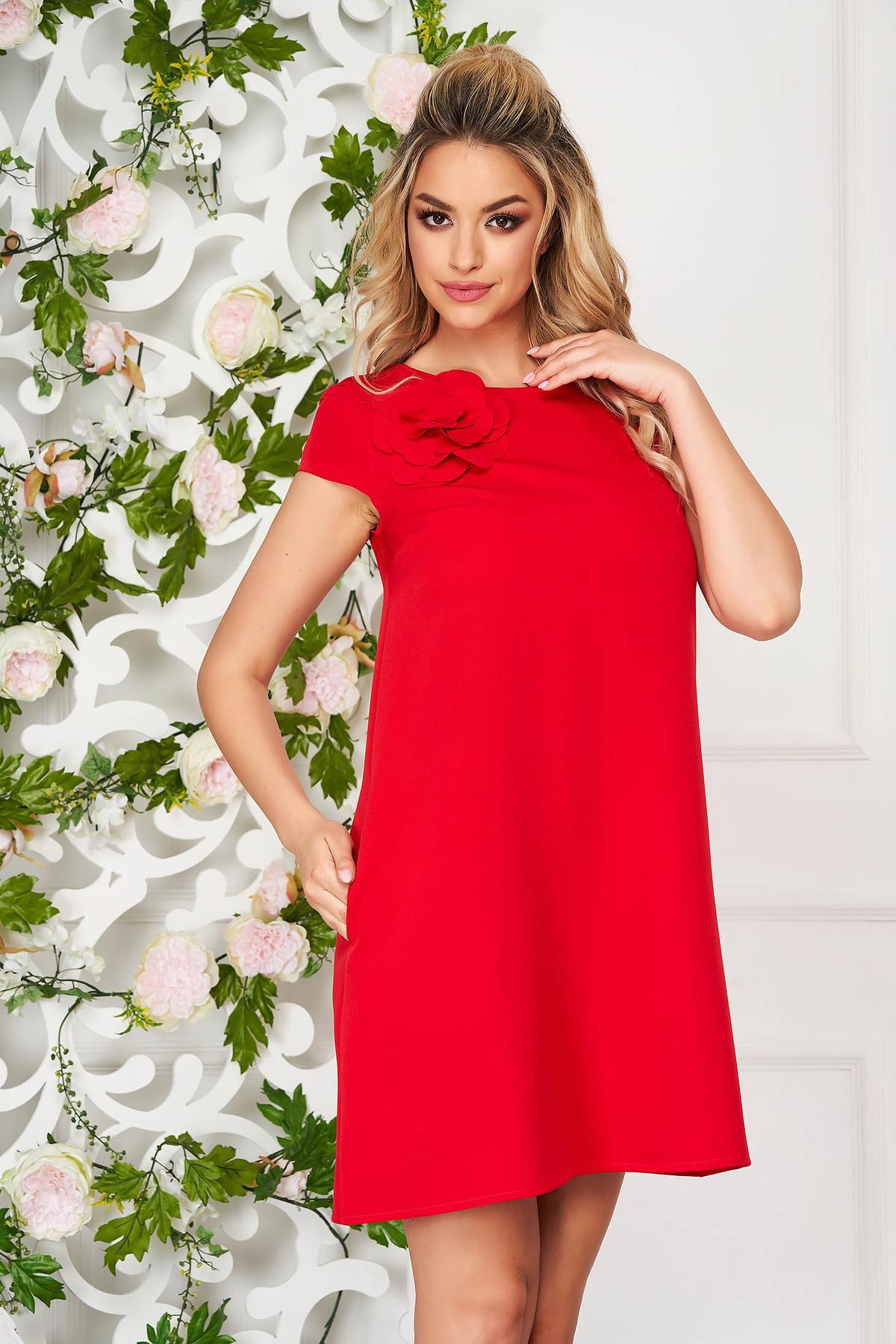 Rochie StarShinerS rosie scurta de zi cu croi larg din stofa elastica cu buzunare imagine